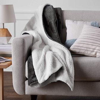 Amazon Basics Ultra-Soft Micromink Blanket