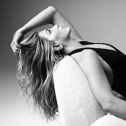 Jennifer Aniston Lolavie