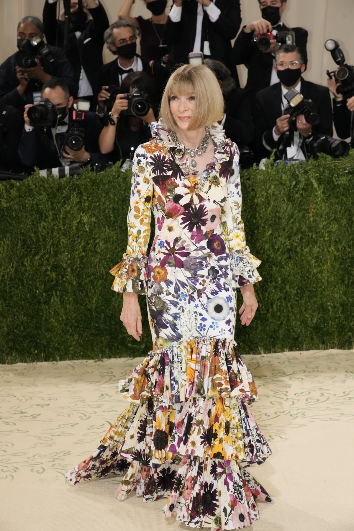 Anna Wintour attends The 2021 Met Gala Celebrating In America: A Lexicon Of Fashion at Metropolitan ...