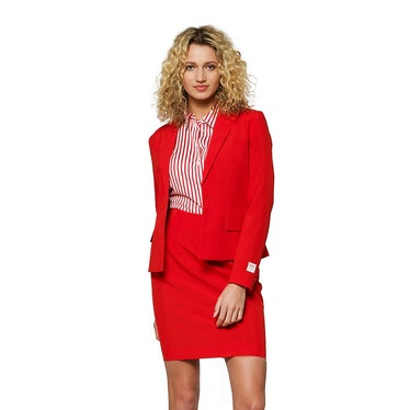 Samantha wear red power suits on 'Sex and the City.'