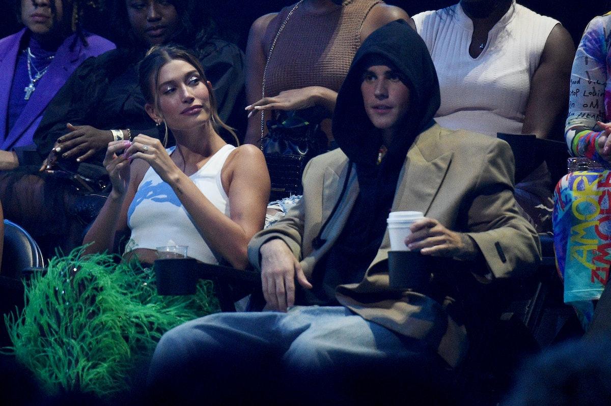 آیلی بیبر و جاستین بیبر در مراسم اهدای جوایز موسیقی MTV 2021 در مرکز بارکلیز در سپتامبر شرکت می کنند ...