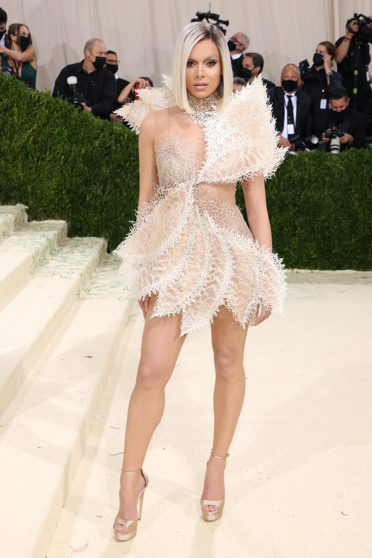 Hailee Steinfeld attends The 2021 Met Gala Celebrating In America: A Lexicon Of Fashion at Metropoli...