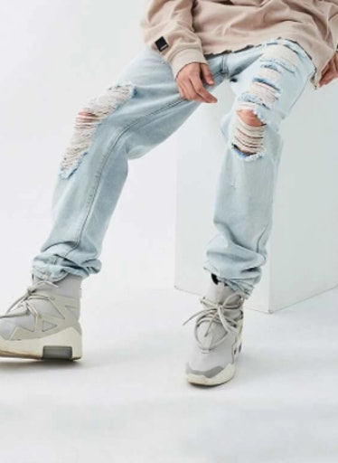 Men Ripped Light Wash Jeans