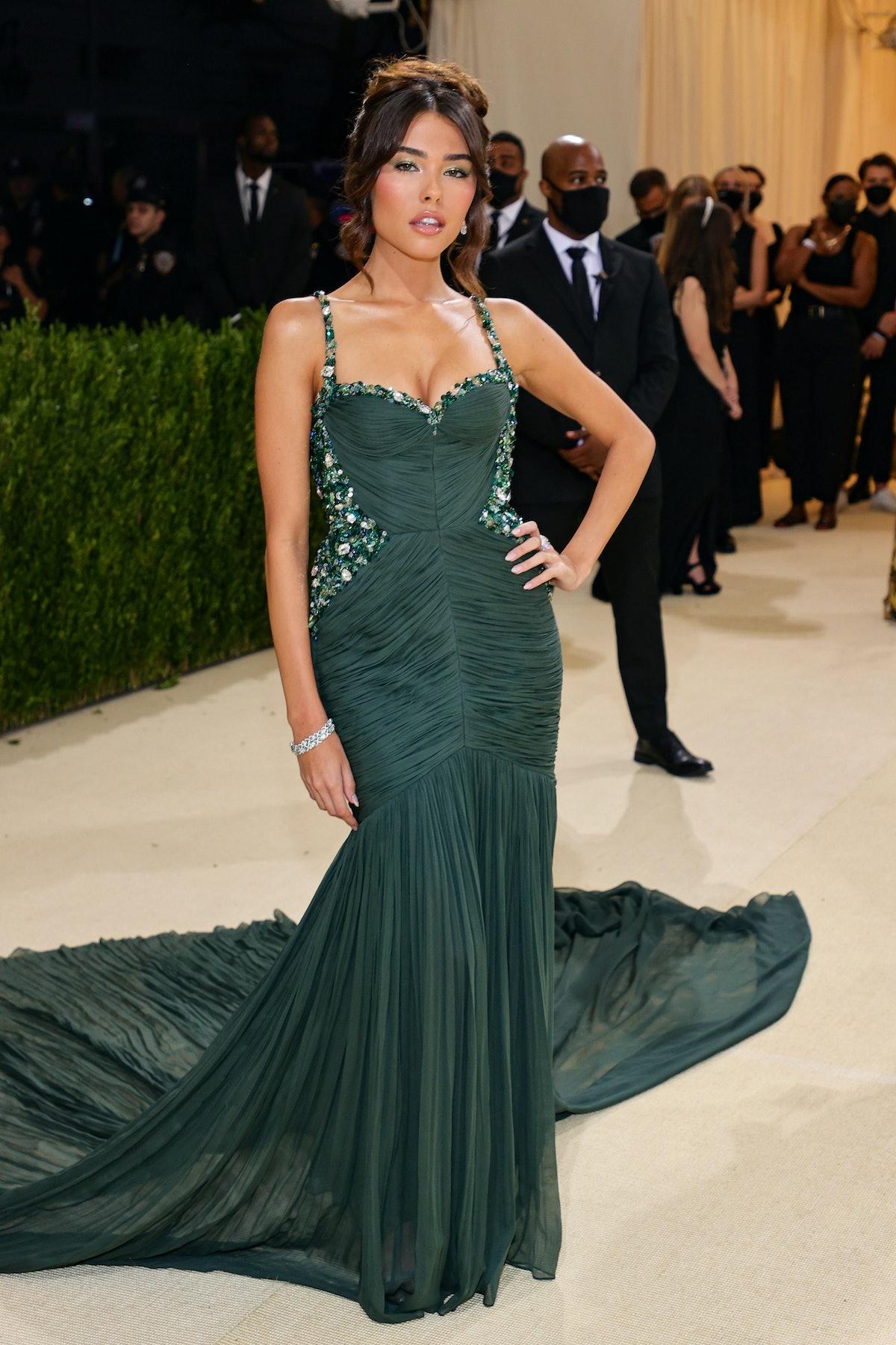 مدیسون بیر در جشن 2021 Met Gala Celebrating In America: A Lexicon of Fashion در Metropolitan شرکت کرد ...