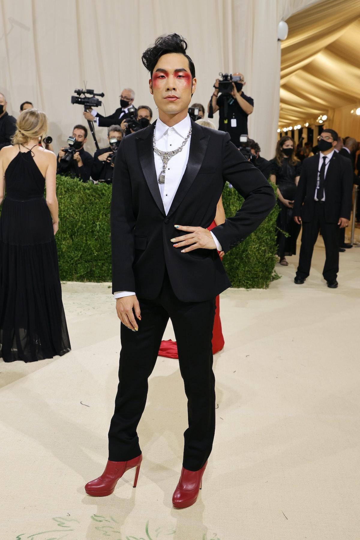 یوجین لی یانگ در جشن 2021 Met Gala Celebrating In America: A Lexicon of Fashion در Metropolit شرکت کرد ...