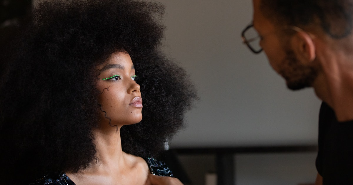 Whitney Peak's Met Gala 2021 Makeup Was Even Prettier Up Close - Bustle