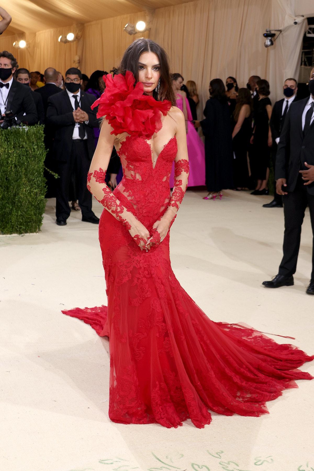 Emily Ratajkowski attends The 2021 Met Gala Celebrating In America: A Lexicon Of Fashion at Metropol...