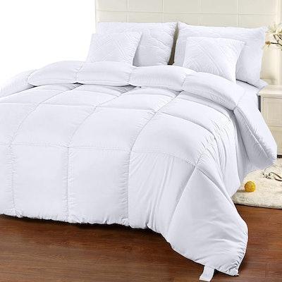 Utopia Bedding Quilted Comforter