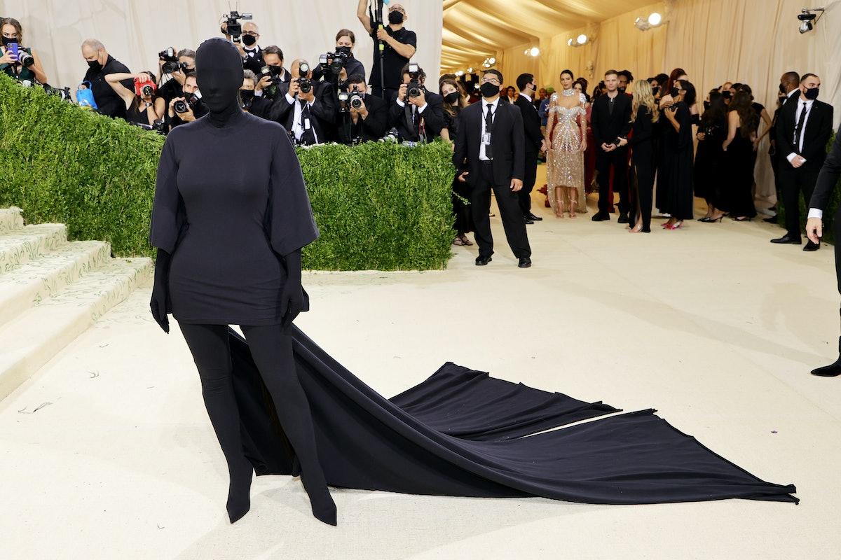 Kim K on the carpet at Met Gala wearing all black Balenciaga