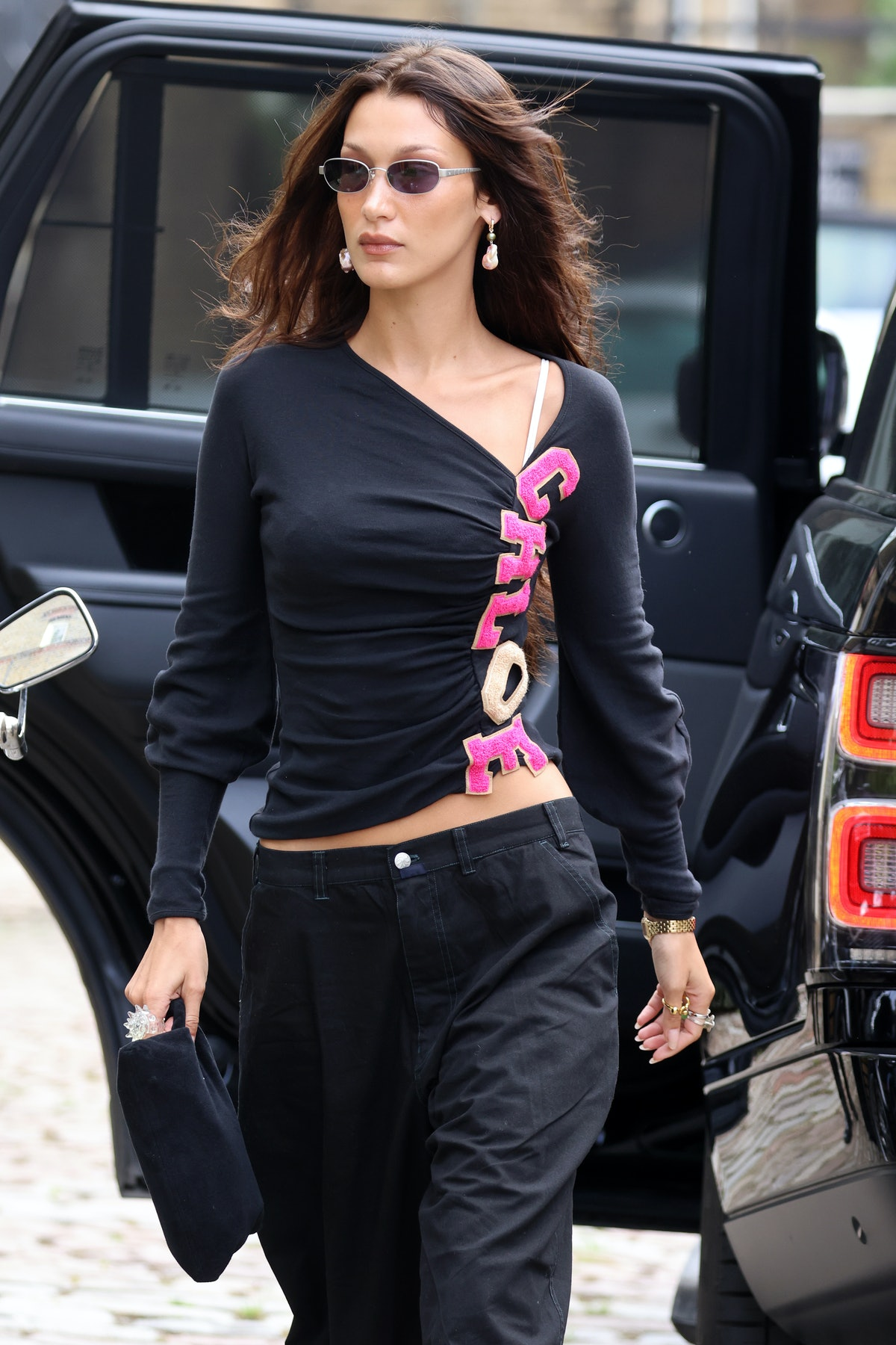 Bella Hadid seen leaving her hotel and heading out for lunch on August 19, 2021 in London, England....
