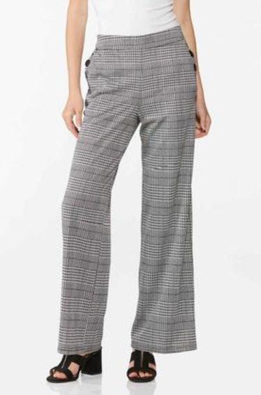 Kate Keller on 'Gossip Girl' wore houndstooth-print pants.
