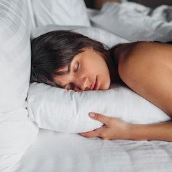 Sleep experts say these TikTok insomnia hacks can actually help you sleep.