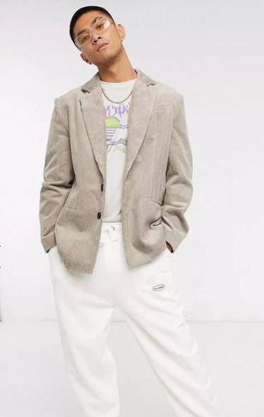 Obie Bergman wears casual jackets on 'Gossip Girl.'