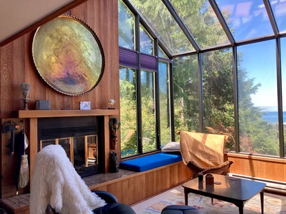 This three-bedroom cabin on Airbnb is located in Oregon and has stunning views of the ocean.