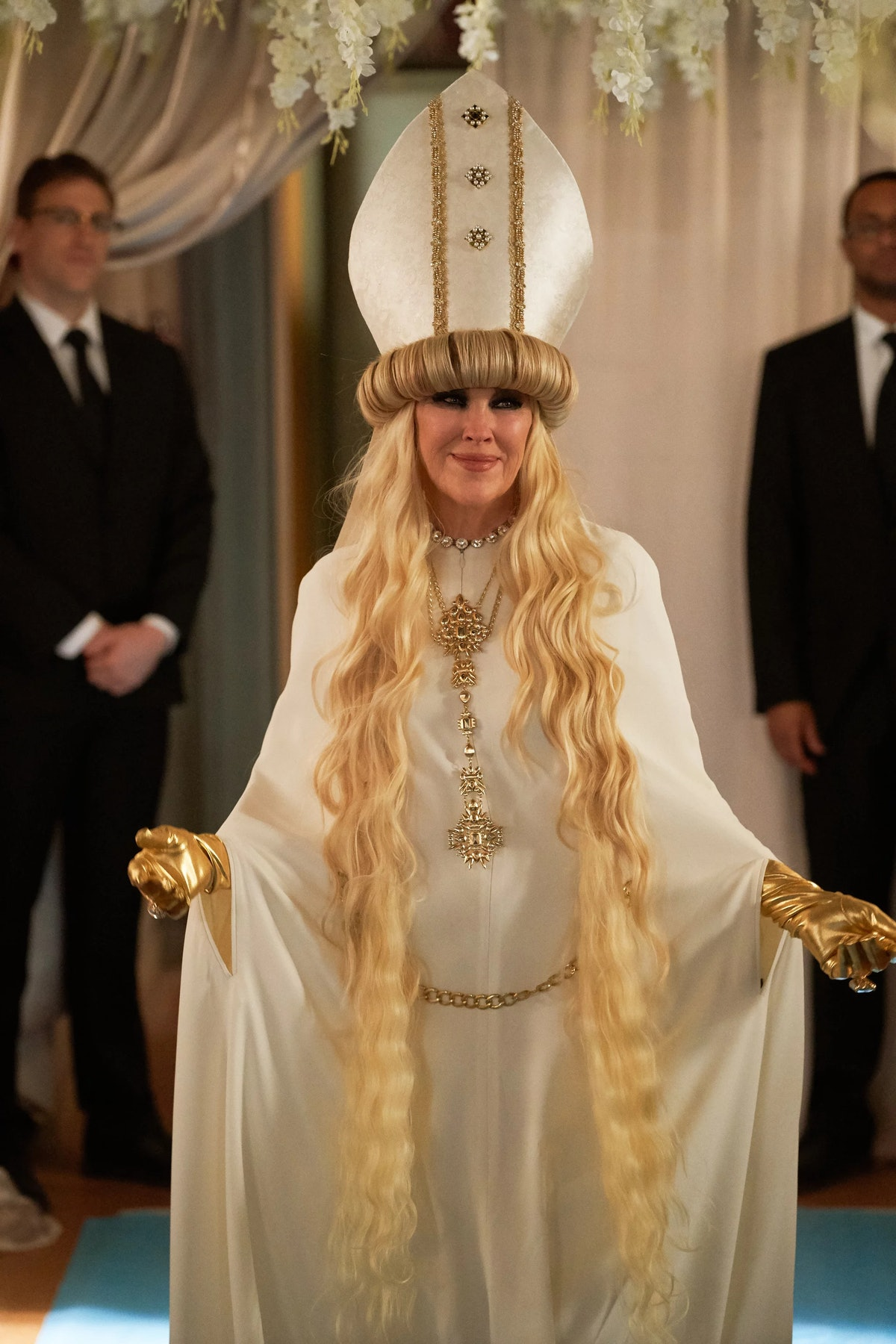 Moira's look for David and Patrick's wedding on 'Schitt's Creek' is iconic.