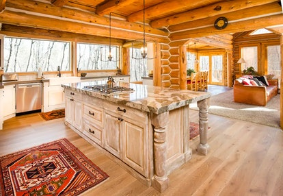 Stay at a luxurious log cabin in Sunday, Utah.