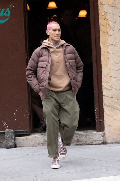 Aki Menzies on 'Gossip Girl' stands out with his laid-back streetwear fashions.