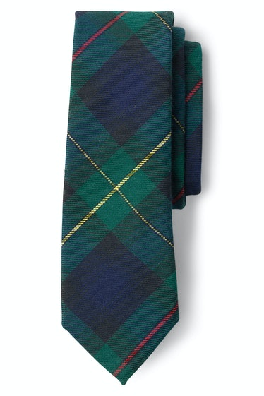 Zoya wears a tie with her school uniform on 'Gossip Girl.'