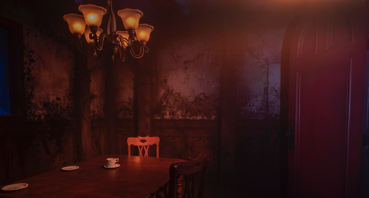 Visitors to the 'Haunting of Hill House' maze at Universal Studios can see the Red Room.