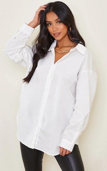 Julien Calloway loves to rock oversized white shirts on 'Gossip Girl.'