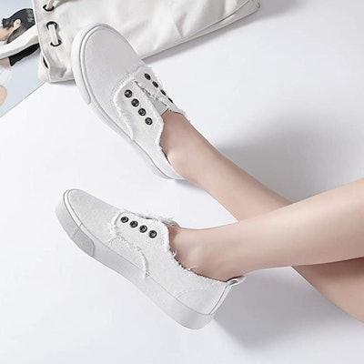 Waluzs Slip on Sneakers