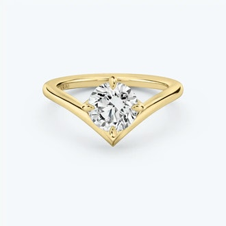 The Signature V ring in 18k yellow gold from VRAI.