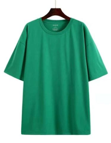 oversize green T-shirt