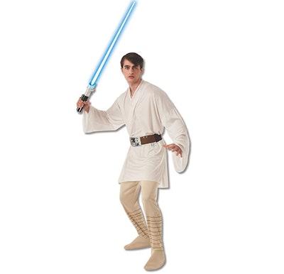 Man wearing Luke Skywalker costume