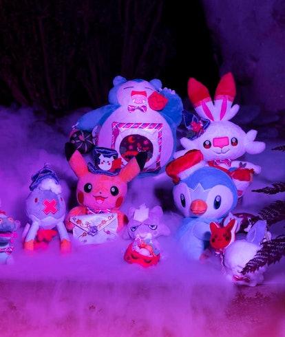 Pokémon Halloween Collection plushes