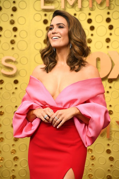 Mandy Moore wore heavy pink blush on the apples of her cheeks at the 2019 Emmys.