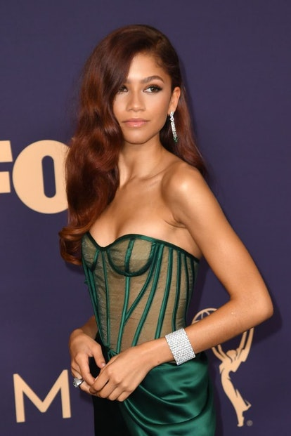 Zendaya stunned in Y2K-style lip gloss at the 71st Emmy Awards.