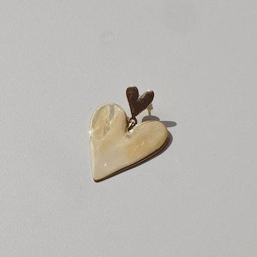 Full Heart gold earring from Luiny.