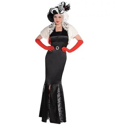 Woman dressed as Cruella de Vil
