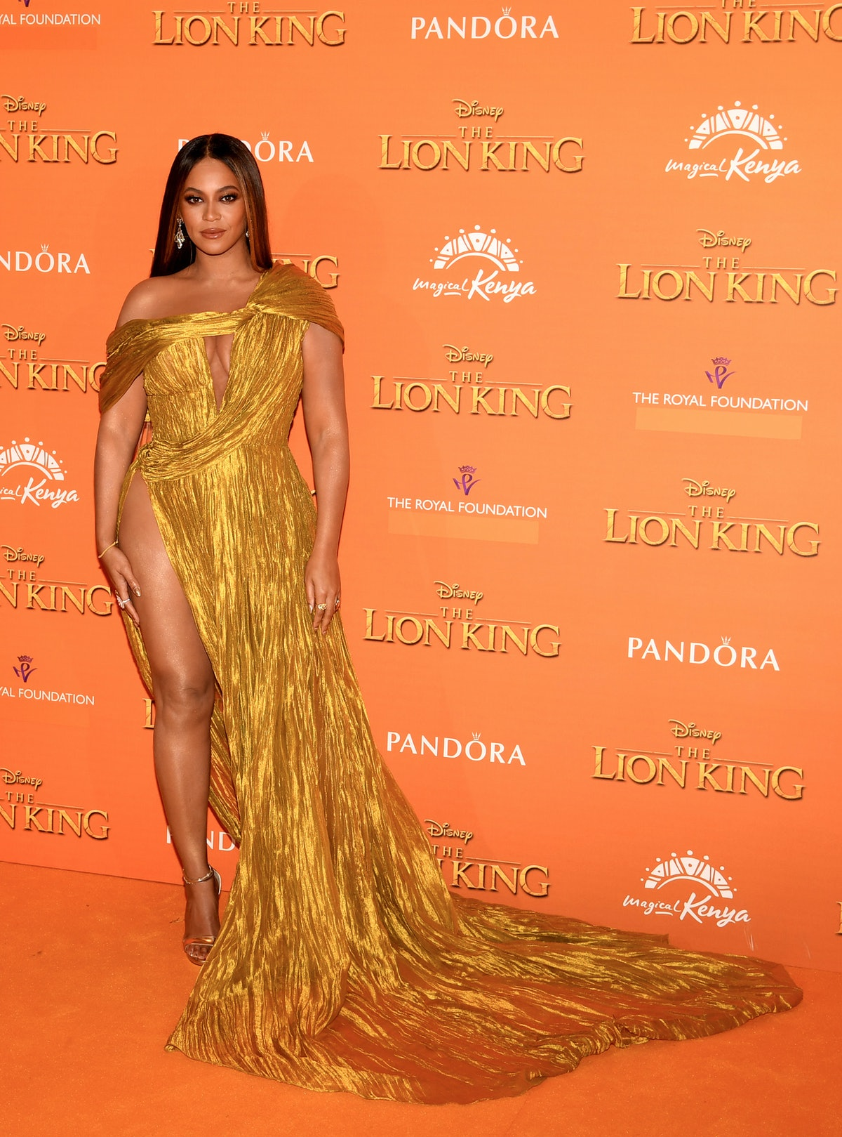 Beyonce wearing yellow gown