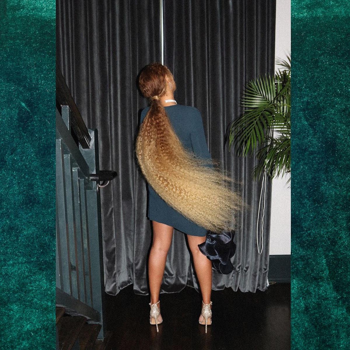 Beyoncé whipping her hair