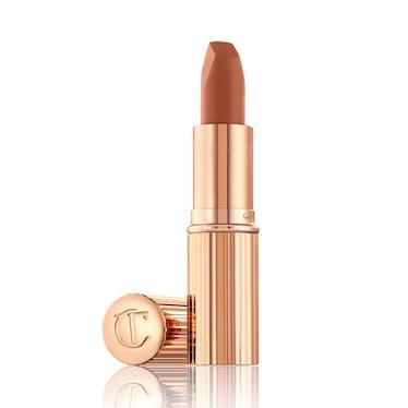 Matte Revolution Lipstick In Catwalking