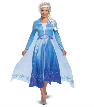 Woman dressed as Elsa from the movie Frozen
