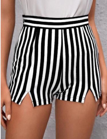SHEIN Striped Print Split Hem Shorts
