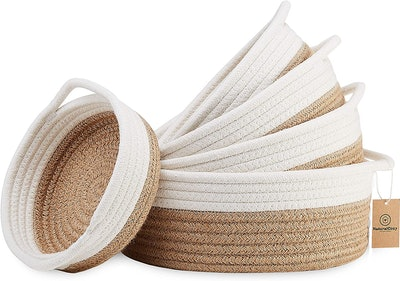 NaturalCozy 5-Piece Round Small Woven Baskets Set