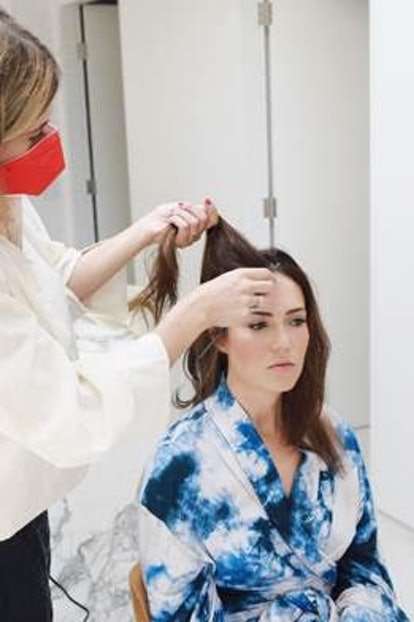Mandy Moore getting prepped for Emmy Awards with hairstylist Ashley Streicher