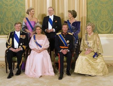 Various European royals in crowns.