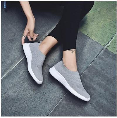 TIOSEBON Athletic Mesh Walking Sneakers