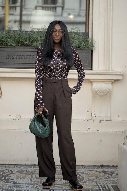 Street style at London Fashion Week Spring 2022.