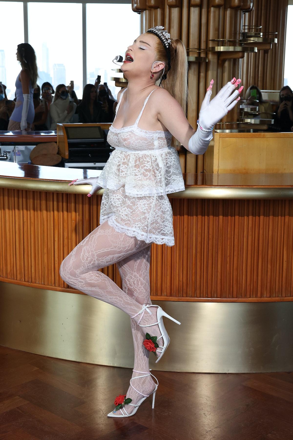 مدلینگ کیم پتراس برای مایسی ویلن