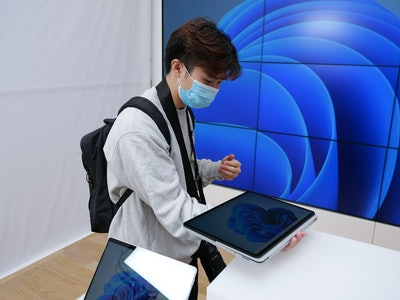 Surface Laptop Studio hinge flat in studio mode