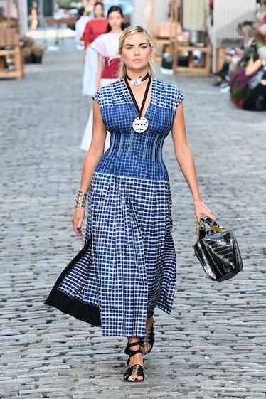 Kate Upton walking Tory Burch