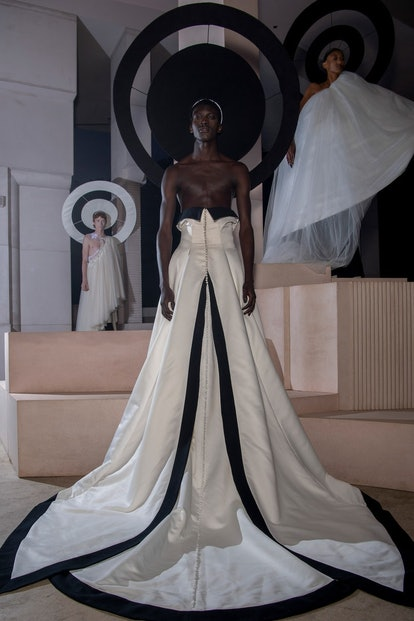 A look from Harris Reed's spring 2022 collection