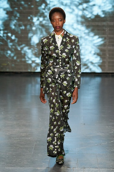 A look from Yuhan Wang's spring 2022 collection