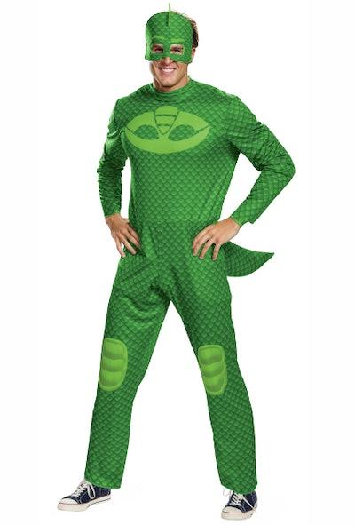 Adult man dressed in Gekko costume