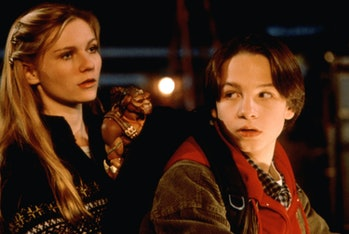 Kirsten Dunst and Gregory Smith star in Small Soldiers.